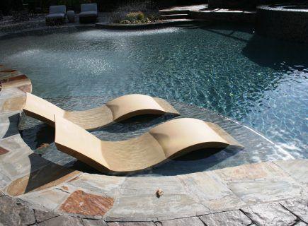 Luxury Pool Tanning Ledge