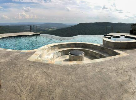 Freeform Luxury Infinity Pool