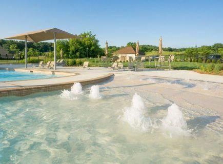 Luxury Community Pool, Falls Grove Zero Entry - Pacific Pearl River Rok